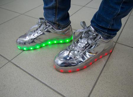 Led Schuhe schon beim ersten Kauf auf Rechnung kaufen